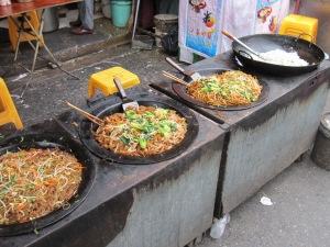 Shanghai street noodles