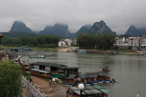 From cheap and small to large and expensive, there are many options to cruise down the Li River